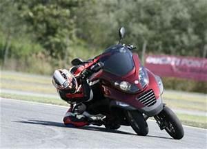 Piaggio Mp3 400 : piaggio mp3400 3 wheeler with a punch motorcycle philippines ~ Medecine-chirurgie-esthetiques.com Avis de Voitures