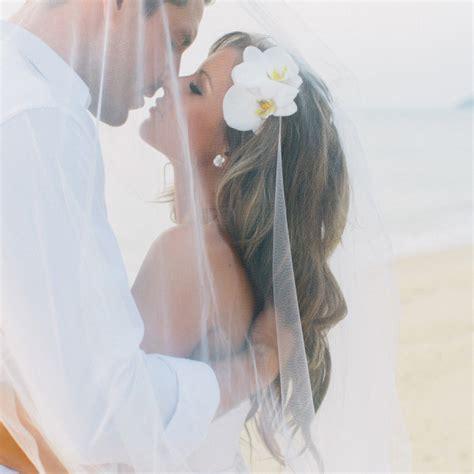 the best beach wedding hair tips