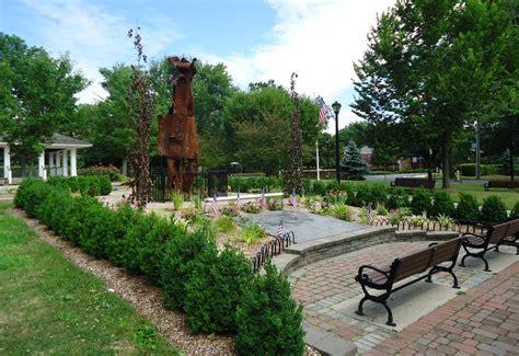 File:New Providence NJ public park with pergola and ...