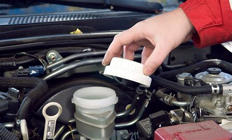 How To Check & Replace Types Of Brake Fluid