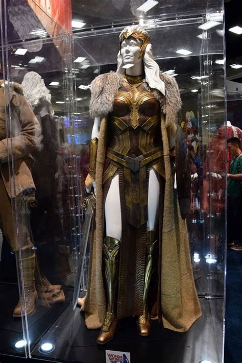 woman  costumes  display  sdcc
