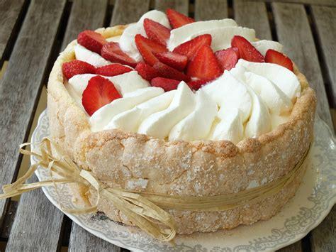 recette de cuisine de noel aux fraises et sa bavaroise de fromage blanc