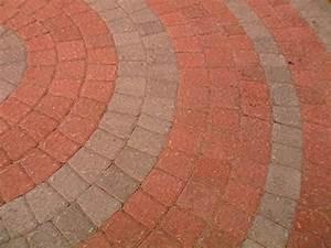 How To Lay A Circular Paver Patio How Tos DIY