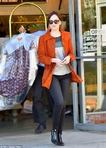dakota johnson picks  clothes  melanie griffith shares
