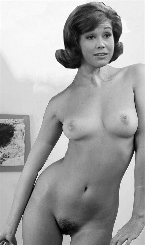 Laura Petrie, mary tyler moore - PornHugo.Com