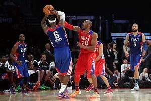 LeBron James and Kobe Bryant Photos Photos - NBA All-Star ...