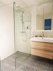 Exemple Petite Salle De Bain : 1000 id es propos de petites salles de bain sur ~ Dailycaller-alerts.com Idées de Décoration