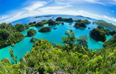 tempat wisata  raja ampat papua barat  menakjubkan