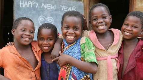 5 reasons to sponsor a child world vision uk 728 | 760x428 smilingkids newyear blog