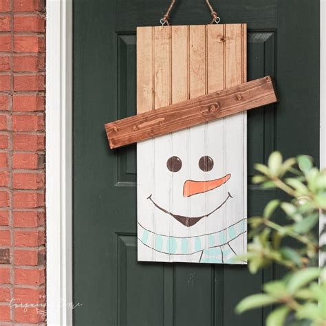diy door hanger diy rustic snowman door hanger the turquoise home