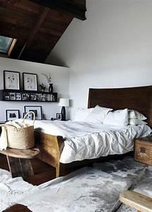Lit Maison Bois : chambre zoom sur le bout de lit marie claire ~ Teatrodelosmanantiales.com Idées de Décoration