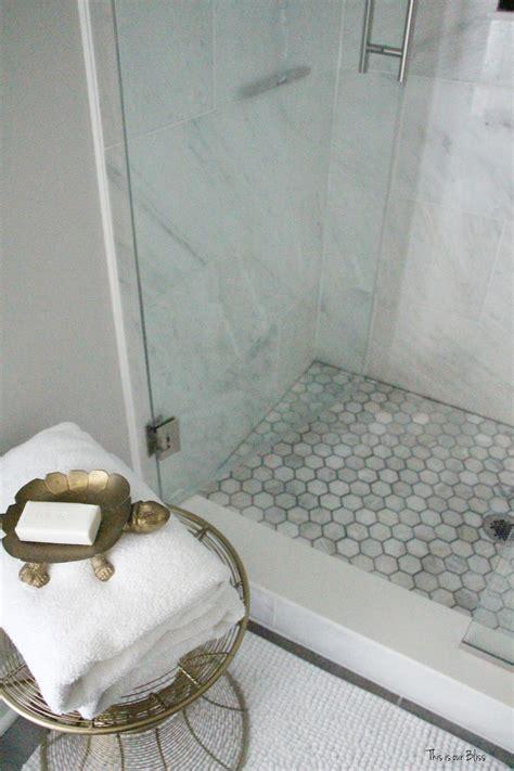 create  neutral glam bathroom