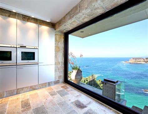 agencement cuisine de reve avec vue sur la mer  locean