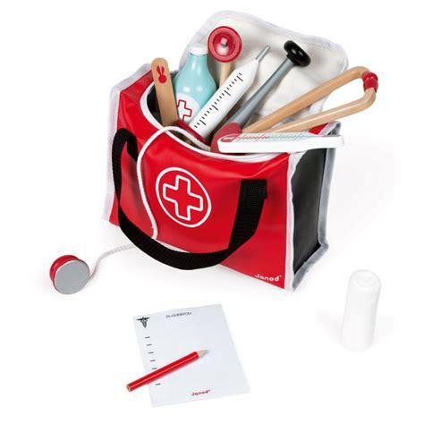 malette cuisine trousse du médecin jouets en bois mallette malette