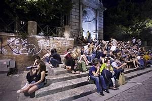 In Life : file night life in piazza trilussa in trastevere rome ~ Nature-et-papiers.com Idées de Décoration