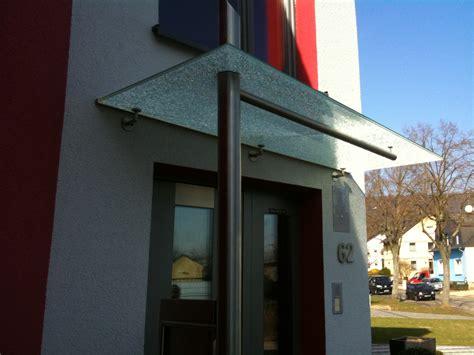 vordach mit beleuchtung vordach mit led beleuchtung vordach aus glas glasvordach mit led