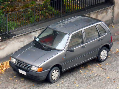 File:1992 Fiat Uno.jpg - Wikimedia Commons