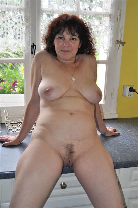 Milf Nude In Kitchen 01  In Gallery Milf Nude In Kitchen Picture 1 Uploaded By Alterzipfel