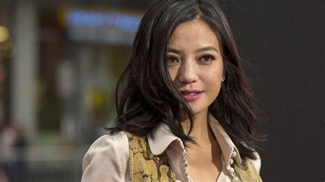 Chinese Actress Zhao Wei Sued For 'staring' At Man Through
