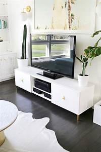 Table Tv But : how to decorate with a pine tv stand interior decorating colors interior decorating colors ~ Teatrodelosmanantiales.com Idées de Décoration