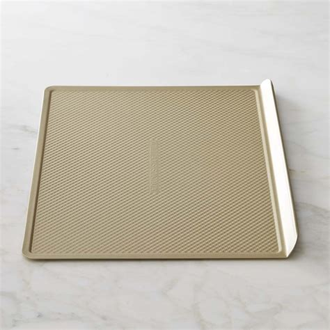 williams sonoma goldtouch corrugated nonstick cookie sheet williams sonoma