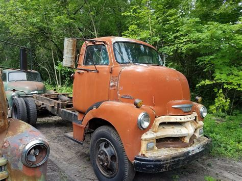 chevy  cabover stub nose truck excellent worn