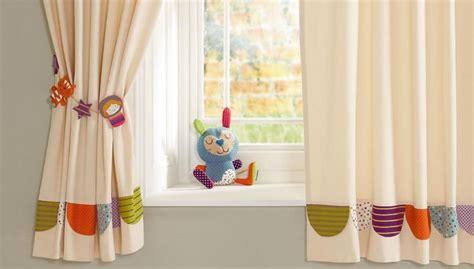 rideaux pour chambre fille quel rideau pour une chambre enfant