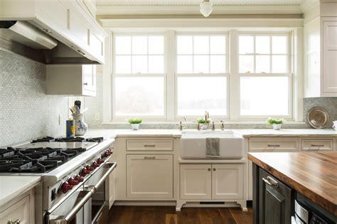 lake elmo greek revival farmhouse farmhouse kitchen minneapolis  ron brenner architects