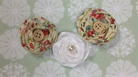 shabby fabric flowers diy how to how to how to construct shabby chic fabric flowers