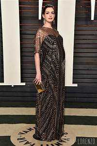 Anne Hathaway in Naeem Khan at the 2016 Vanity Fair Oscar ...