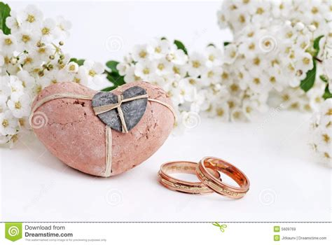 wedding rings  flowers images matvukcom
