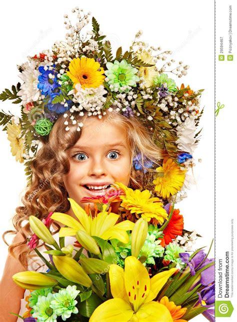 acconciatura con fiore bambina con l acconciatura fiore immagine stock