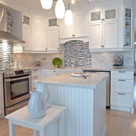 cuisine armoires blanches cuisine avec armoires blanches palzon com