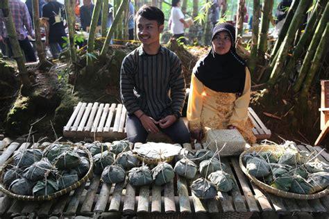 adi cuisine photo the papringan market great traditional cuisines