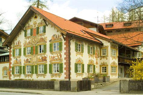 Gemaltes Haus Im Bayern Stockbild Bild Von Alpen