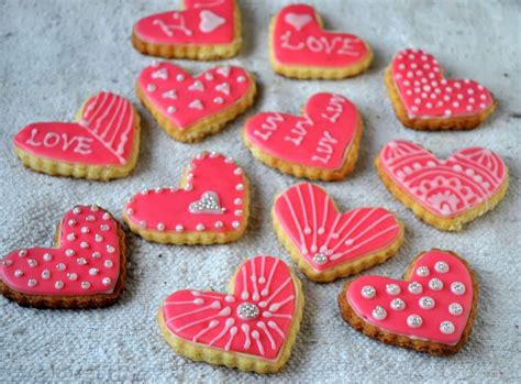 drizzle icing for cookies glaze icing on sugar cookies with liquid glucose gayathri s cook spot