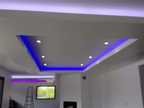 lumi鑽e de cuisine led installer ruban led plafond 28 images les rubans en lumi 232 re led et leur version hd exemple de bravo le monde ce soir sur 233 die ruban
