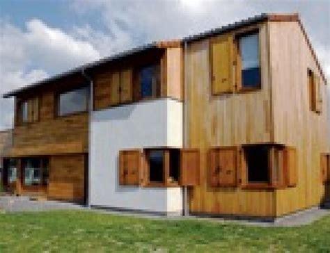 maison bois construire en panneaux de bois massifs mise en oeuvre