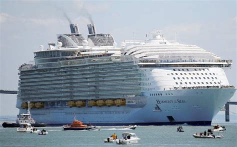 Biggest Boat In The World List by Whats The Biggest Cruise Ship In The World Fitbudha
