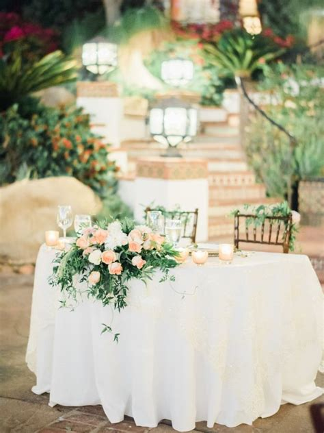 Something Like This For The Sweetheart Table I Like The