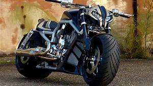 "Harley-Davidson V-Rod ""StreetFighter"" by Tecno-Bike - Review"