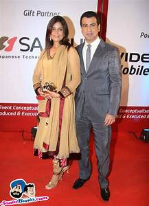 Gold Awards Red Carpet -- Neelam Singh and Ronit Roy ...