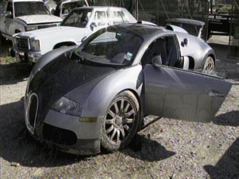 Crashes Bugatti Veyron In Meer Afbeeldingen