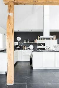 Schwarz Weiße Möbel Welche Wandfarbe : ber ideen zu fliesen schwarz wei auf pinterest badezimmer schwarz fliesen anthrazit ~ Bigdaddyawards.com Haus und Dekorationen