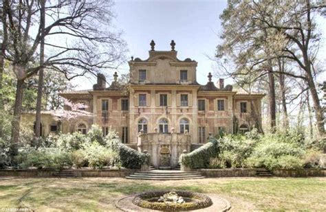 The European-style castle... in Atlanta: Stunning pink