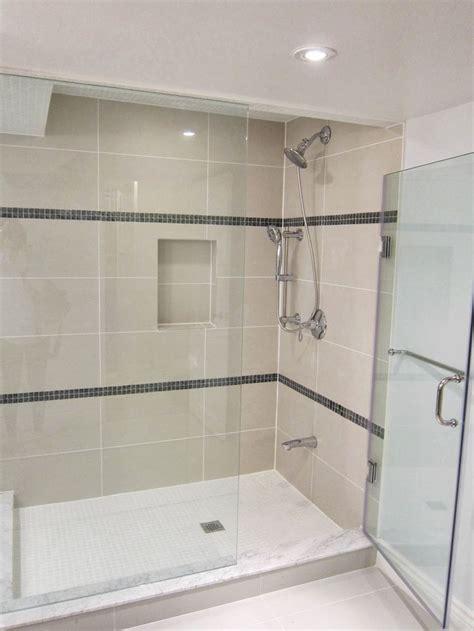 Tile Shower Pan by 17 Best Ideas About Fiberglass Shower Pan On