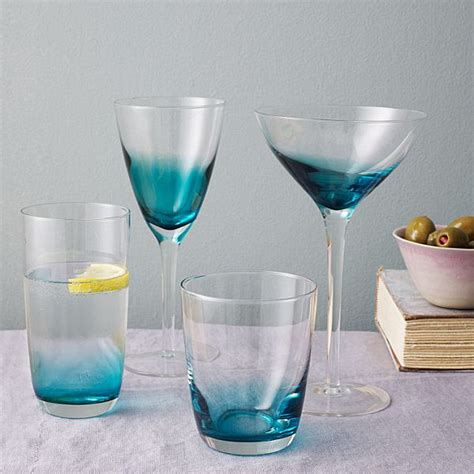 Plastic Barware by Festive Table Decor For Outdoor Entertaining