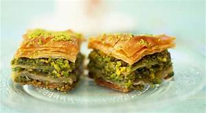 Easy Greek Baklava recipe with honey and nuts ...