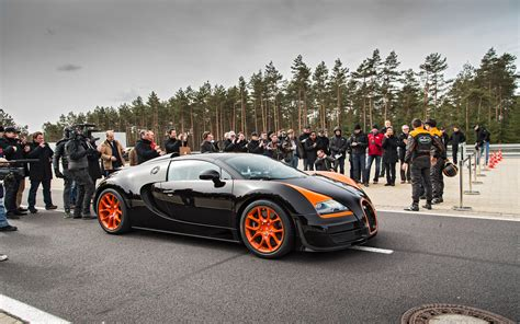 Bugatti releases performance numbers for the production veyron 16.4: 2013 Bugatti Veyron 16.4 Grand Sport Vitesse Top Speed Run ...