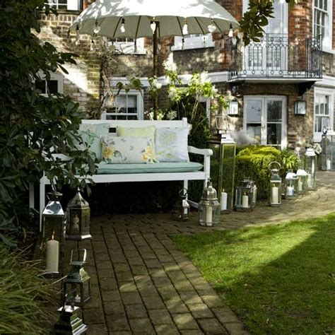 Outdoor Decorations Ideas Uk by Garden Pathways Create An Look For Outdoor